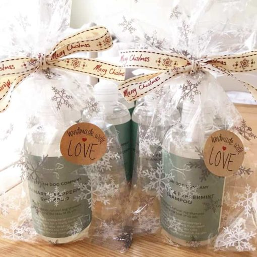 Gifts for dogs - Dog shampoo Christmas wrapped gift. Luxury dog shampoo