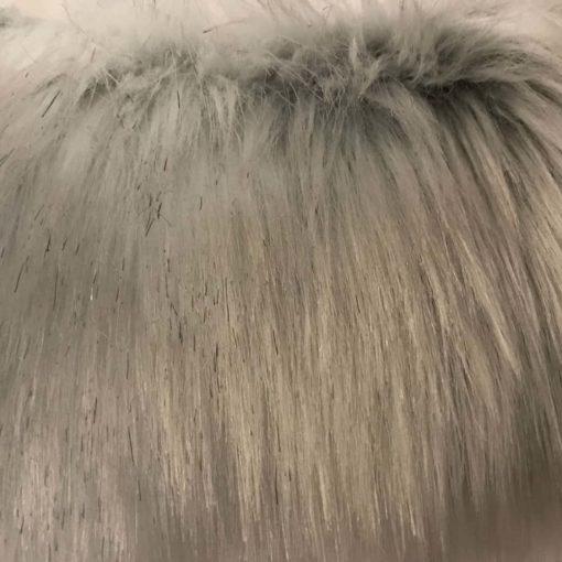 snow-wolf-faux-fur-throw